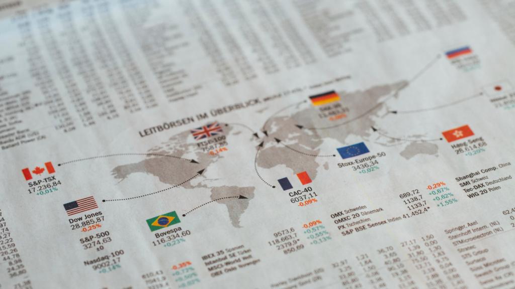FXと株式投資の違いは?両者の特徴を徹底比較!